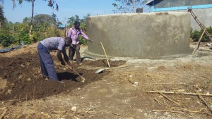 The Water Project : 20-kenya4647-construction