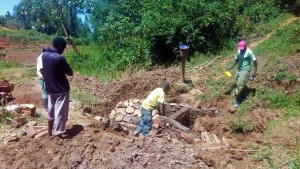 The Water Project : 20-kenya4704-construction