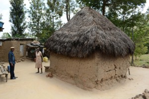 The Water Project : 20-kenya4782-family-two-household
