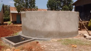 The Water Project : 21-kenya4650-tank-construction