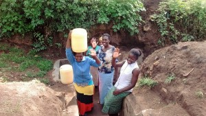 The Water Project : 21-kenya4701-protected-spring