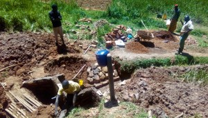 The Water Project : 21-kenya4704-construction