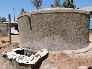 The Water Project : 22-kenya4646-construction