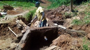 The Water Project : 22-kenya4704-construction