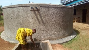 The Water Project : 23-kenya4645-finished-tank