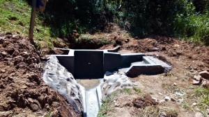 The Water Project : 23-kenya4704-construction