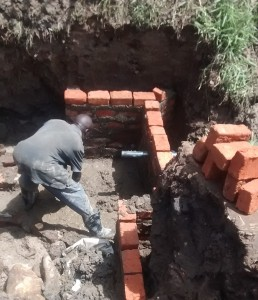 The Water Project : 25-kenya4700-construction