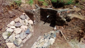 The Water Project : 25-kenya4704-construction