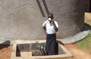 The Water Project : 29-kenya4645-finished-tank