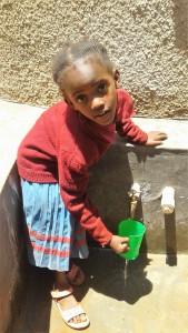 The Water Project : 29-kenya4649-finished-tank