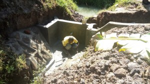 The Water Project : 29-kenya4700-construction