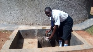 The Water Project : 30-kenya4645-finished-tank