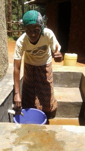 The Water Project : 30-kenya4649-finished-tank