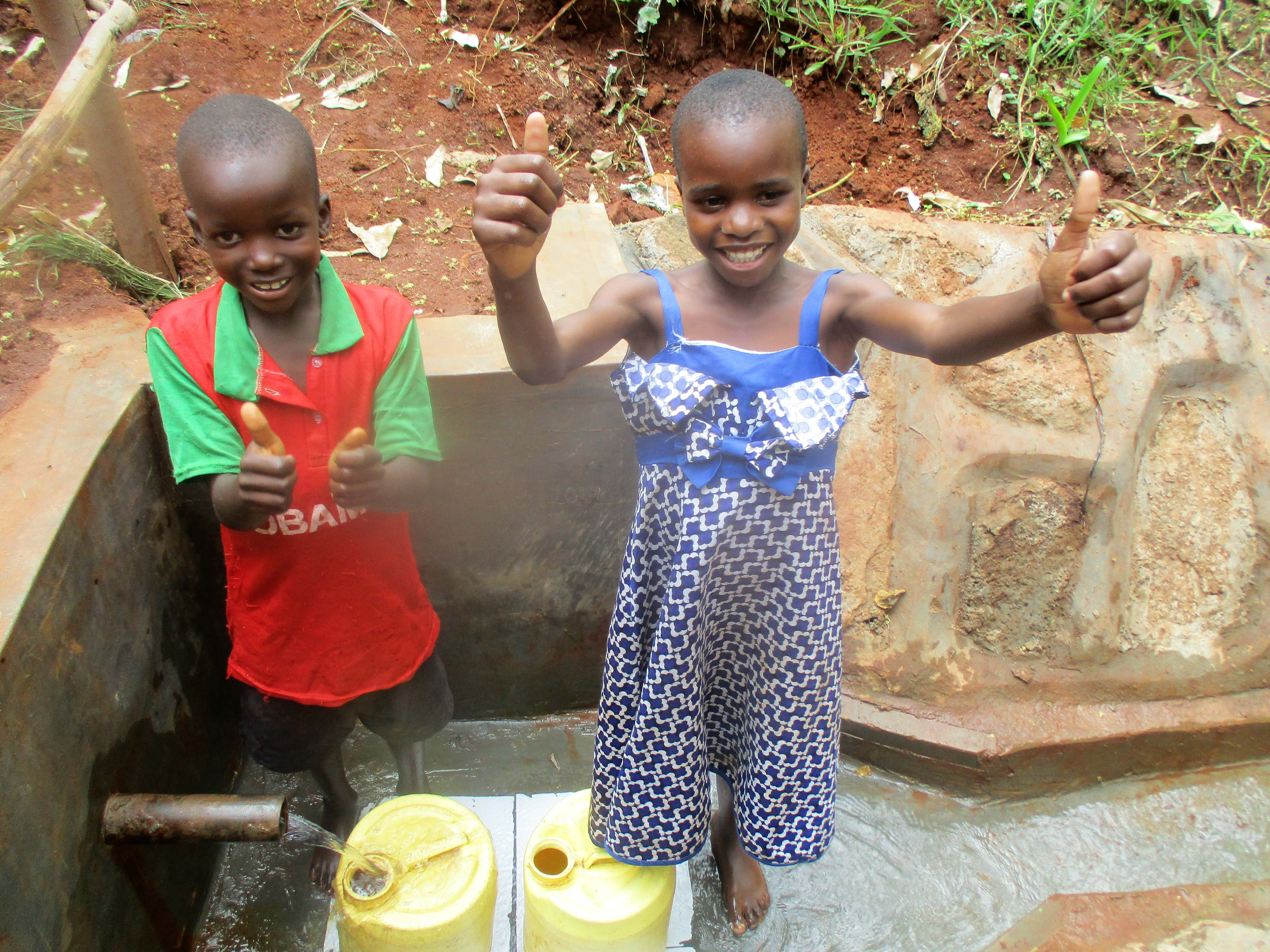 The Water Project : 31-kenya4703-protected-spring