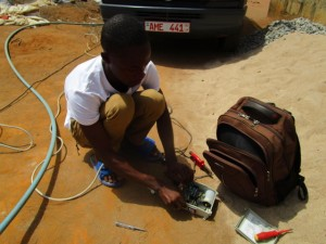The Water Project : 31-sierraleone5103-yield-testing
