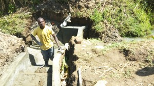 The Water Project : 32-kenya4700-construction
