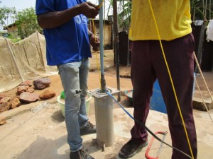 The Water Project : 32-sierraleone5103-yield-testing