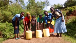The Water Project : 33-kenya4701-protected-spring