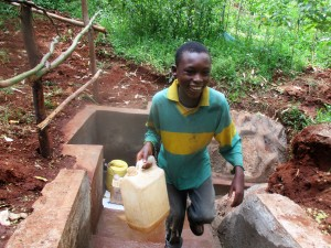 The Water Project : 33-kenya4703-protected-spring