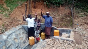 The Water Project : 33-kenya4704-protected-spring