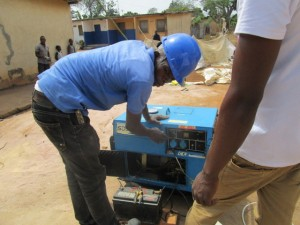 The Water Project : 33-sierraleone5103-yield-testing