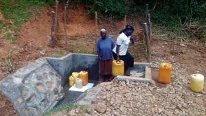 The Water Project : 35-kenya4704-protected-spring