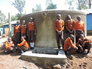 The Water Project : 36-kenya4646-finished-tank