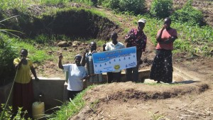 The Water Project : 36-kenya4700-protected-spring