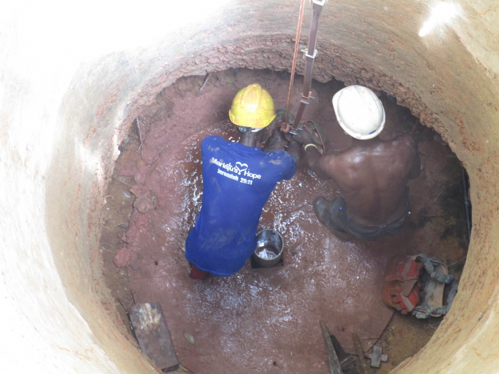 36 sierraleone5102 drilling