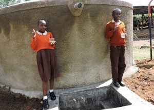 The Water Project : 38-kenya4646-finished-tank