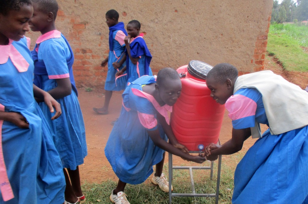 38 kenya4648 hand-washing station