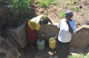 The Water Project : 38-kenya4700-protected-spring