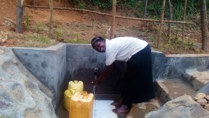 The Water Project : 38-kenya4704-protected-spring