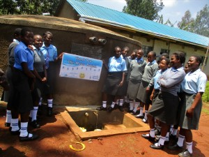 The Water Project : 39-kenya4643-finished-tank
