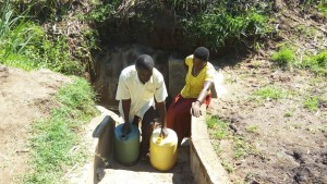 The Water Project : 39-kenya4700-protected-spring