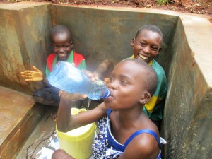The Water Project : 39-kenya4703-protected-spring