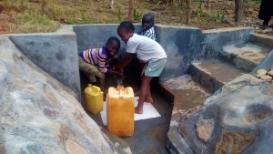 The Water Project : 39-kenya4704-protected-spring