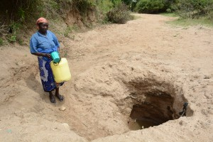 The Water Project : 4-kenya4782-family-one-fetching-water