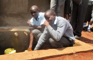The Water Project : 41-kenya4643-finished-tank