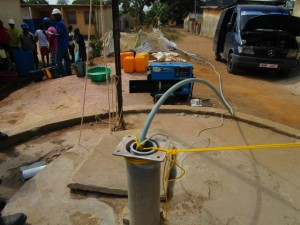 The Water Project : 41-sierraleone5103-yield-testing