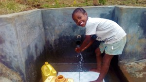 The Water Project : 43-kenya4704-protected-spring