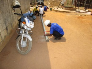 The Water Project : 43-sierraleone5103-yield-testing