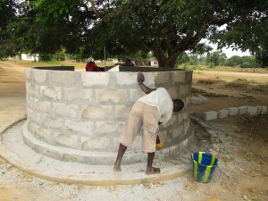 The Water Project : 53-sierraleone5102-construction