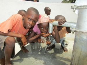 The Water Project : 55-sierraleone5103-clean-water