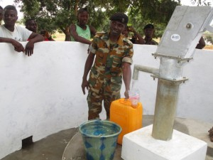 The Water Project : 56-sierraleone5102-clean-water
