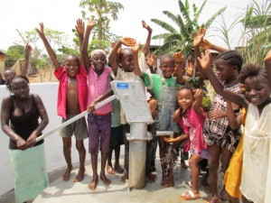 The Water Project : 57-sierraleone5103-clean-water
