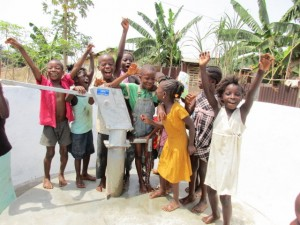 The Water Project : 58-sierraleone5103-clean-water