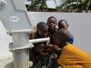 The Water Project : 59-sierraleone5103-clean-water