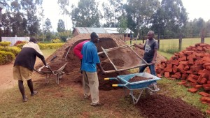 The Water Project : 6-kenya4645-construction