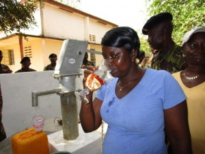 The Water Project : 63-sierraleone5102-clean-water